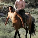 Putin in versione centauro con Obama servitore