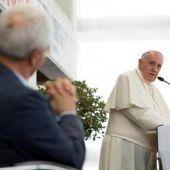 Bergoglio_a_Caserta CON PENTECOSTALI