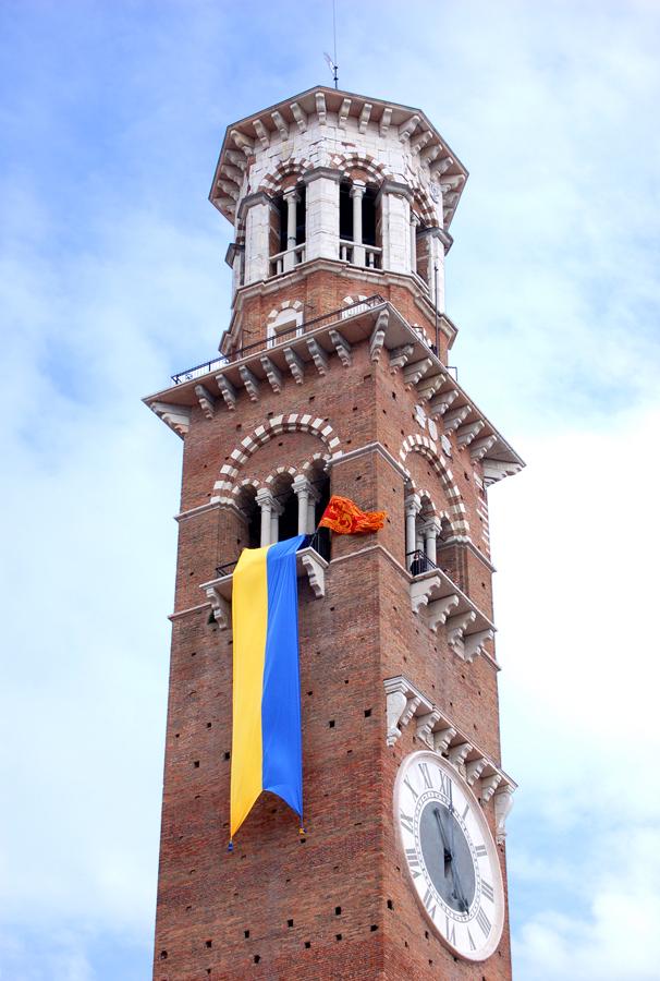 Torre_dei_Lamberti_Pasque_Veronesi
