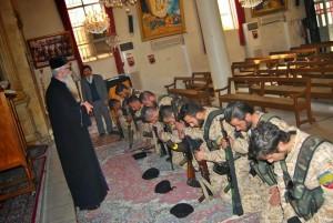 Isis benedetti in chiesa dal sacerdote