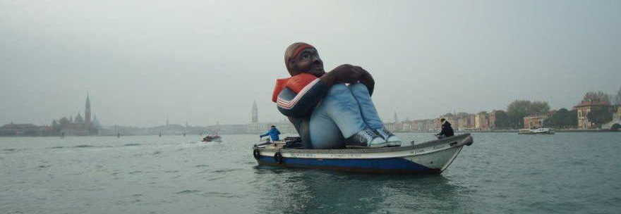 MONKEY ON THE BOAT